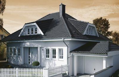 фото дома с керамической черепицей Braas модель Топаз V